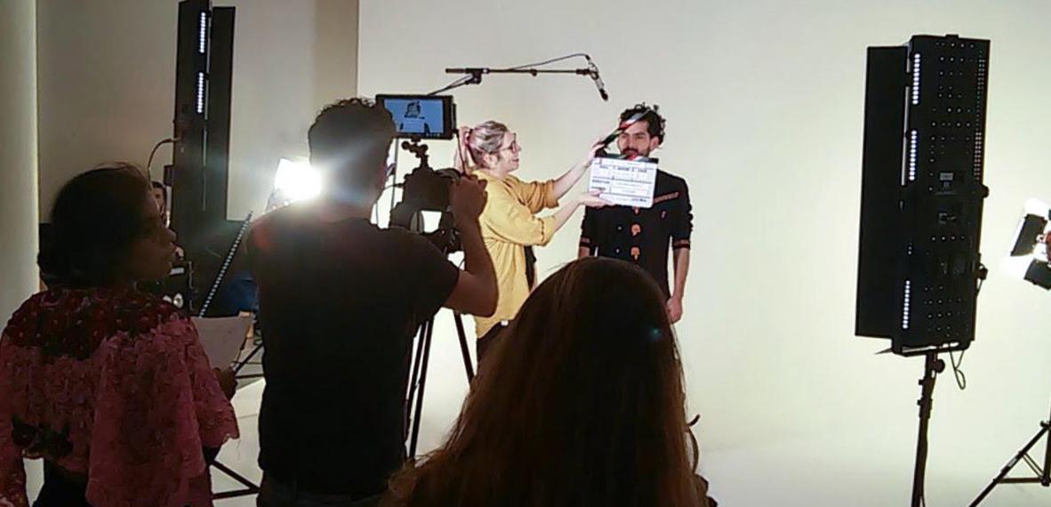 El equipo de Professor Film genera sus propios contenidos, a su vez adaptados a las necesidades del cliente. De esta forma consideran trabajar con formatos animados, reales, simples o más complejos…
