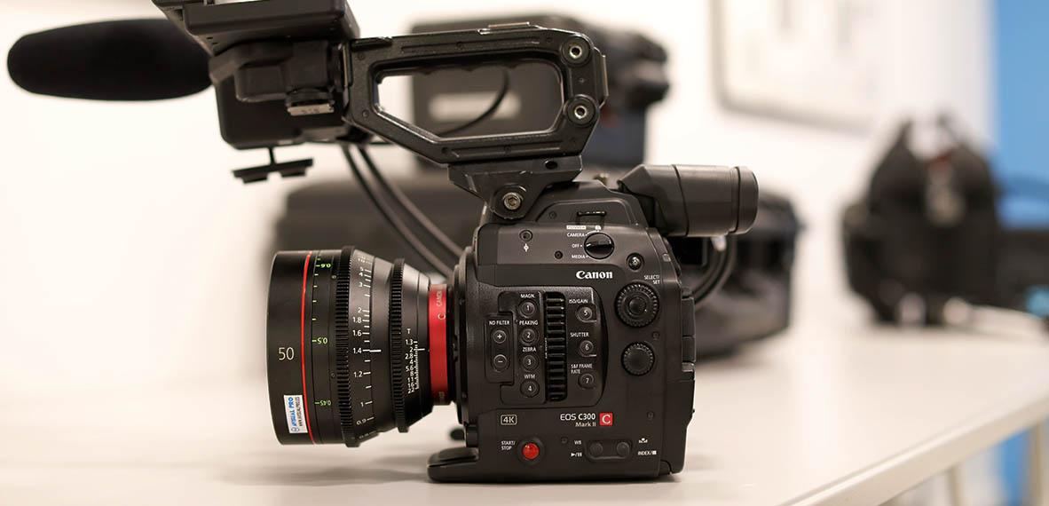 Canon EOS C300 Mark II Sensor super 35