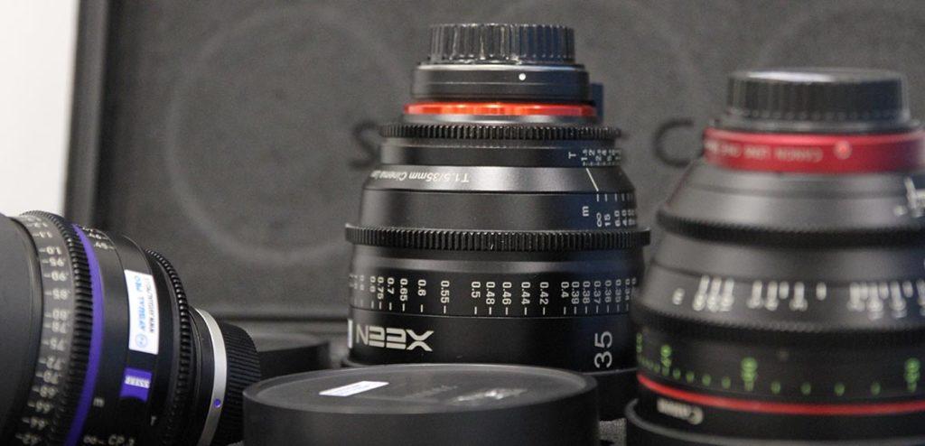 Cómo es una óptica de cine y en qué se diferencia de una óptica de fotografía